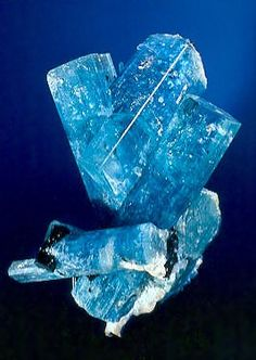 Aquamarine.  Bruce CAIRNCROSS / Mineral Friends <3