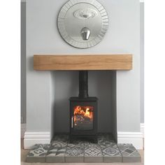 Good Snap Shots flat Fireplace Hearth Popular A fireplace hearth is actually the running portion of a fireplace where by the hearth in fact burn Small Log Burner, Small Wood Burning Stove, Small Stove, Wood Burner Fireplace, Fireplace Hearth, Pellet Fireplace, Fireplace Tiles, Small Fireplace, Log Burner Living Room