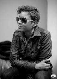 diva with swag - Mc Lyte Medium Short Hair, Medium Hair Styles, Short Hair Styles, Mc Lyte, Hip Hair, Tomboy Chic, American Rappers, My Black Is Beautiful, Music Love