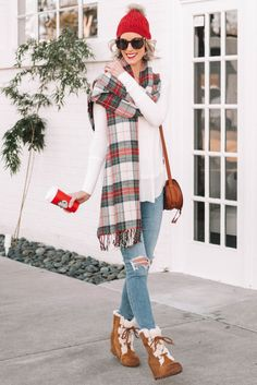 What to Wear When You Don't Know What to Wear - 10 Easy Outfit Formulas Using What's in Your Closet - Straight A Style Casual Winter Outfits, Simple Outfits, Fall Outfits, Cute Outfits, Mom Outfits, Casual Fall, Casual Wear, Holiday Fashion, Autumn Winter Fashion