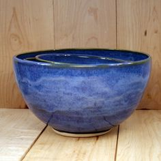 nesting bowls, love the color