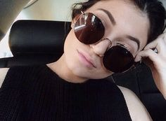 Find images and videos about sunglasses, kylie jenner and jenner on We Heart It - the app to get lost in what you love. Kylie Jenner 2014, Kylie Jenner Instagram, Kylie Jenner Style, Kylie Jeener, Circle Sunglasses, Ray Ban Sunglasses Sale, Sunglasses 2016, Sunglasses Outlet, Cheap Sunglasses
