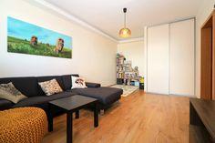 #продажанедвижимости #всловакии #братислава #квартиры Адрес: 851 03 Bratislava, Petržalka, Mlynarovičova. Двухкомнатная квартира на продажу, ул. Млинаровичова (Mlynarovičova), район Петржалка (Petržalka), Братислава, Словакия. Квартира площадью 54,46 м2 + 3 м2 лоджия + 1 м2 кладовая, панель, этаж 11 из 14, лифт, состоит... Подробнее: Янина Зборовская; тел: +421 903 407 775; mail@realty-slovakia.ru.