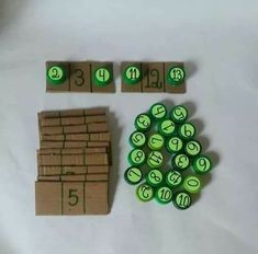 A great craft with bottle caps to learn addition problemsZbrajanje do number comes before and aUse Post-it Super Sticky Notes to play this awesome and easy math game. Kids Learning Activities, Montessori Activities, Preschool Learning, Kindergarten Math, Classroom Activities, Teaching Aids, Teaching Math, Early Math, Math Numbers