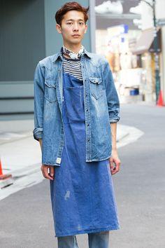 Apron / denim jacket layering | Indigo blue | Style Arena - Daiki