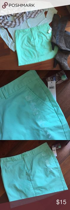 """NWT GAP Mint Green Skirt Who says fall doesn't need more color? Love the bluish green color of this skirt, I just didn't realize how short it would be when I purchased it. The skirt measures 16"""" long, much too short for me. As seen in the pics, the skirt is brand new, tags & stickers attached. It'll look great with neutral boots and scarf for fall. Reasonable offers accepted. 🚫No Trades/PayPal🚫 GAP Skirts Mini"""