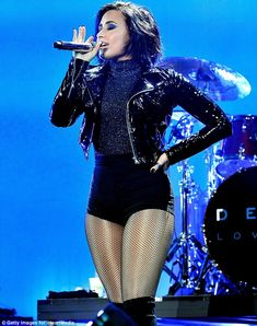 A bit cold for the winter? Cool For The Summer star Demi Lovato looked in danger of catchi...