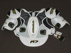 TPS HOCKEY SHOULDER PADS R7 RESPONSE PRO-STOCK MODEL Size Sr Small NEW #TPS