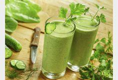 Faire ses jus de fruits et légumes ou green smoothies maison est une excellente façon de consommer facilement les 5 fruits et légumes recommandés pour être en bonne santé. Préparées à base d'aliment crus, ces préparations permettent de faire le plein de vitamines et de nutriments. Les vertus santé des green smoothies Les green smoothies …