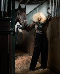 www.pegasebuzz.com/leblog | Horse in Fashion with So Young Kang by Lee Gun for Vogue Korea, august 2012