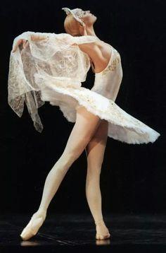 """Anastasia Volochkova (Bolshoi Ballet) """"Swan Lake"""" (choreography by Vladimir Vasiliev)"""