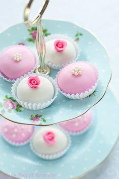 Sweet Secrets Lulu: água de rosas e pimenta rosa Brigadeiro