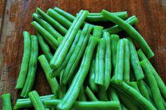 Home Remedy For A Constipated Dog Green String Beans Thanksgiving Green Beans, Thanksgiving Recipes, Canned Dog Food, Canned Chicken, Large Dog Breeds, Small Breed, Constipated Dog, Supper Bowl, Diarrhea In Dogs