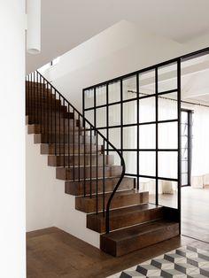 The Balancing Home / Luigi Rosselli Architects