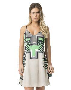 Vestido soltinho e com print incrível inspirado na beleza da África. As alças…
