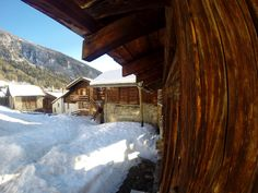 Swiss style little chalet Valais, Swiss Alps Swiss Style, Nature View, Swiss Alps, Relax, Cabin, House Styles, Home Decor, Decoration Home, Room Decor