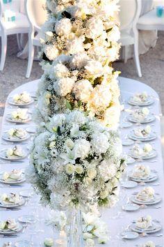 How romantic! Wedding by Monte-Carlo Weddings.