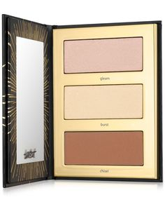 Inspired by makeup artist techniques, this portable highlight & contour palette with three cool-toned shades lets you glow on-the-go using healthy ingredients by Tarte Cosmetics. Highlight And Contour Palette, Contouring And Highlighting, Makeup Palette, Eyeshadow Palette, Highlight Face, Eyeshadows, Makeup Goals, Beauty Makeup, Contouring