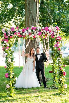 Pretty awesome Floral Canopy on Style Me Pretty | Photography: Julia Jane Studios