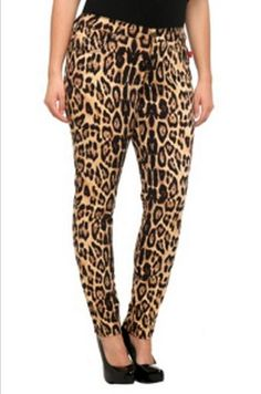 If anyone could pull these off... I'm in love with these pants!