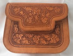 Real leather handmade bag by AndeanArts on Etsy https://www.etsy.com/listing/399899717/real-leather-handmade-bag