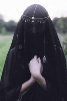 Black veil and headdress Maleficarum, Folk, By Any Means Necessary, Throne Of Glass, Black Veil, Dark Beauty, Hidden Beauty, Dark Fashion, Witch Fashion