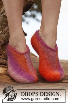 "Free pattern: Felted DROPS slippers in ""Big Delight"". ~ #DROPSDesign #Garnstudio"