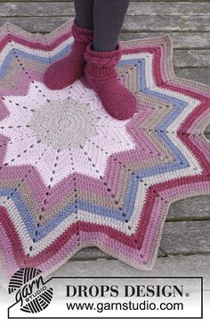 Starlet Rose Rug By DROPS Design - Free Crochet Pattern - (ravelry)