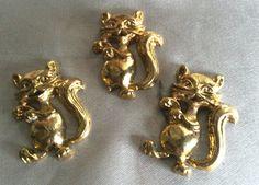 1 acheté = 1 offert !trois  motifs chat  en métal doré pour decoration