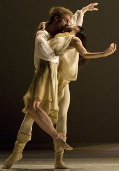 Pacific Northwest Ballet perform Jean-Christophe Malliot's Romeo et Juliette.