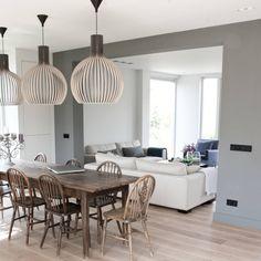 Salas de jantar rústicas por Zilva Vloersystemen