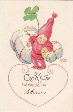 Adina Sand Liten nisse bär paket Tomte Julkort Småkort Helgmärke pg 1925
