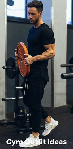 9 Gym Outfit Ideas That'll Inspire You To Workout Right Now - Fitness Mens Fashion Blog, Fitness Fashion, Fitness Clothing, Gym Clothing, Ad Fashion, Gym Outfit Men, Academia Fitness, Style Masculin, Poses References