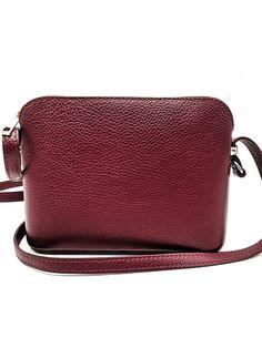 Olasz kisméretű  bőr válltáska.Praktikus viselet pántja hosszabbítható így oldaltáska ként is használható. Egyterű belseje egy cipzáros zsebet és egy rekeszt rejt. hátul ezüstős cipzáros zseb lelhető fel.  Méret:23x17x8 Kate Spade, Bags, Handbags, Bag, Totes, Hand Bags
