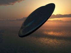 ufo-over-sea-670x502.jpg (670×502)