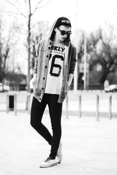 ★★★★★ five stars (black skinny jeans, white vans with black laces, white and black graphic tee, grey hooded cardigan jacket, black beanie, black sunglasses)