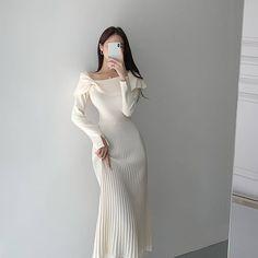 Cute Korean Fashion, Asian Fashion, Classy Outfits, Chic Outfits, Fantasy Dress, Luxury Dress, Fashion Dresses, Aesthetic Fashion, Designer Dresses