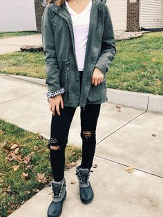 Green Jacket + black AEO jeans + Sperry Duck Boots + Gingham Scrunchies + Alex and ani bracelet + Kendra Scott birthstone Duck Boots Outfit, Green Jacket Outfit, Winter Boots Outfits, Cute Fall Outfits, Sperrys Outfit, Boot Outfits, Dressy Outfits, Black Sperry Duck Boots, Sperry Boots