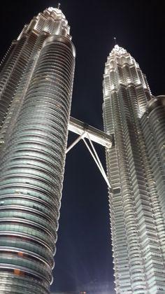 Petronas Twin Towers - Kuala Lumpur, Malaysia.