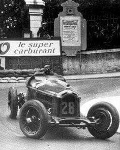 1932 Monaco GP, Monte Carlo : Tazio Nuvolari, Alfa-Romeo Monza 2.3/S8 #28, SA Alfa Romeo, Winner. (ph: © Alfa Romeo)