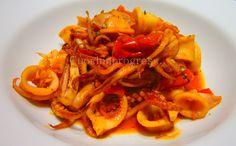 Questa dei totani in umido è un classico della cucina tradizionale italiana, un piatto versatile che può essere un antipasto, un secondo, oppure un sugo...
