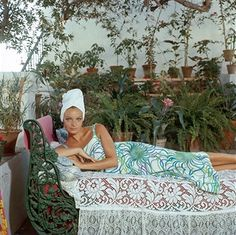 slim aarons: quiet afternoon