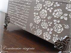 caja de madera con stencil en relieve