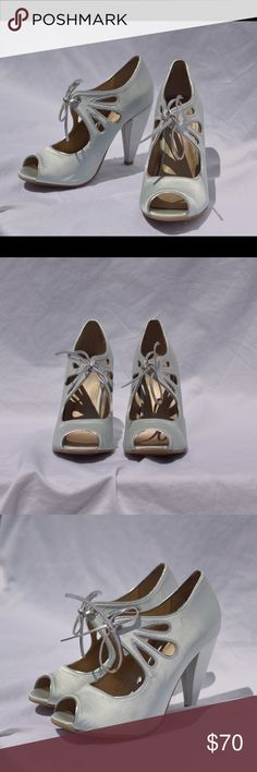 Mint green Seychelles shoes from BHLDN size 7.5 These are pastel mint green/blue Seychelles shoes originally from BHLDN. They have a silver trim and pretty cut out and bow details. They have never been worn and are in excellent condition Seychelles Shoes Heels