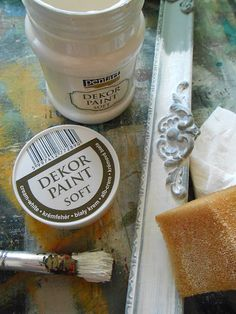 Pentart dekor: Visszamosott koptatás Wood Crafts, Diy And Crafts, Tuscan Style, Cream White, Baking Ingredients, Cookie Dough, Techno, Painted Furniture, Decoupage