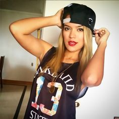 Afbeeldingsresultaat voor karol g Latina Girls, Latin Music, Becky G, Flash Photography, Photo Checks, Square Photos, Gifts For Photographers, Music Like, Me As A Girlfriend