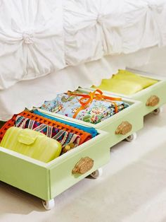 Make rolling drawers under your bed. I& be scouring thrift stores and yard sales for old dressers. 20 Diy Ideas How to Reuse Old Drawers