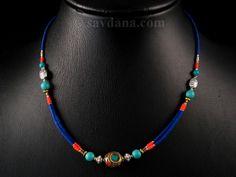 Beau collier typiquement tibétain. ------------------------------------- Beautiful typical tibetan necklace.