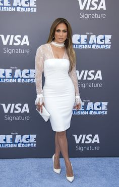 Jennifer Lopez Envelope Clutch - Jennifer Lopez polished off her all-white look with a Tyler Alexandra envelope clutch.
