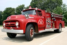 American LaFrance. Taken at WTFD Muster in July 2008, Indianapolis.Ford F-Series fire truck